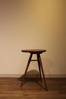 エッグテーブル